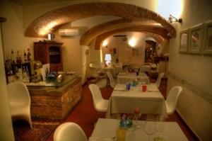 Das gemütlich edle Gewölbe im Pepenero, San Miniato.