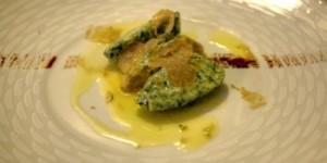Weisse Trüffel aus San Miniato auf Spinat-Ricotta-Nocken.