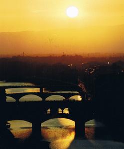 Radtour Toskana: Ausblick nach der Fahrradtour auf die Ponte Vecchio von Florenz.