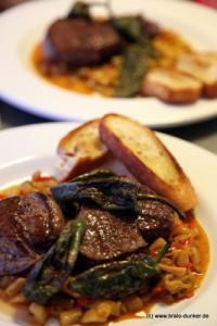 Voilá: Das Rezept aus dem Kochhaus auf dem Teller: Rinderfilet mit Mangochutney.